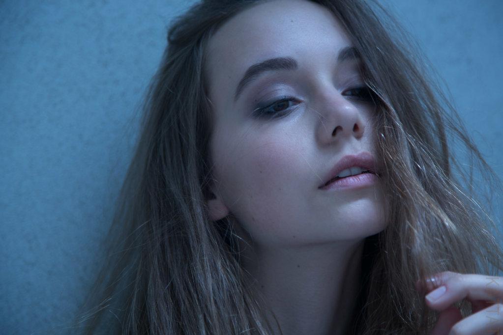 Katharina-Briem-Kucharsky-Golden-Eye-014-2.jpg