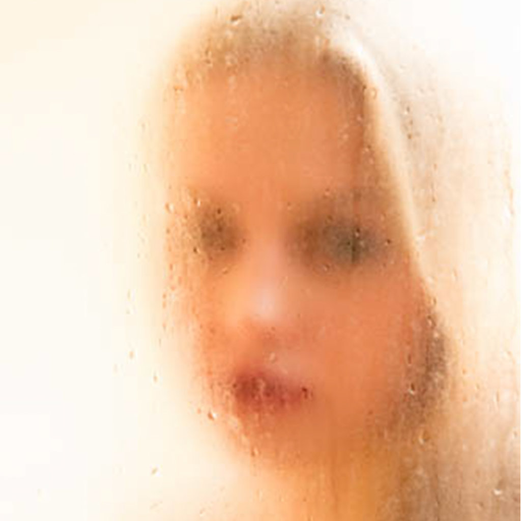 Katharina-Briem-Kucharsky-Golden-Eye-001-3.jpg