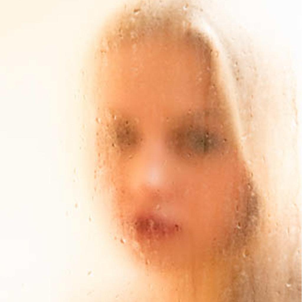 Katharina-Briem-Kucharsky-Golden-Eye-001-3.jpg